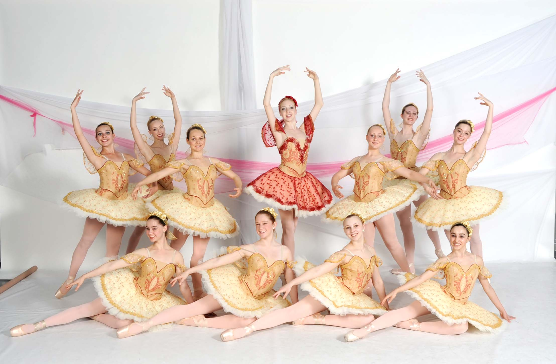 dancers posing, scottsdale school of ballet